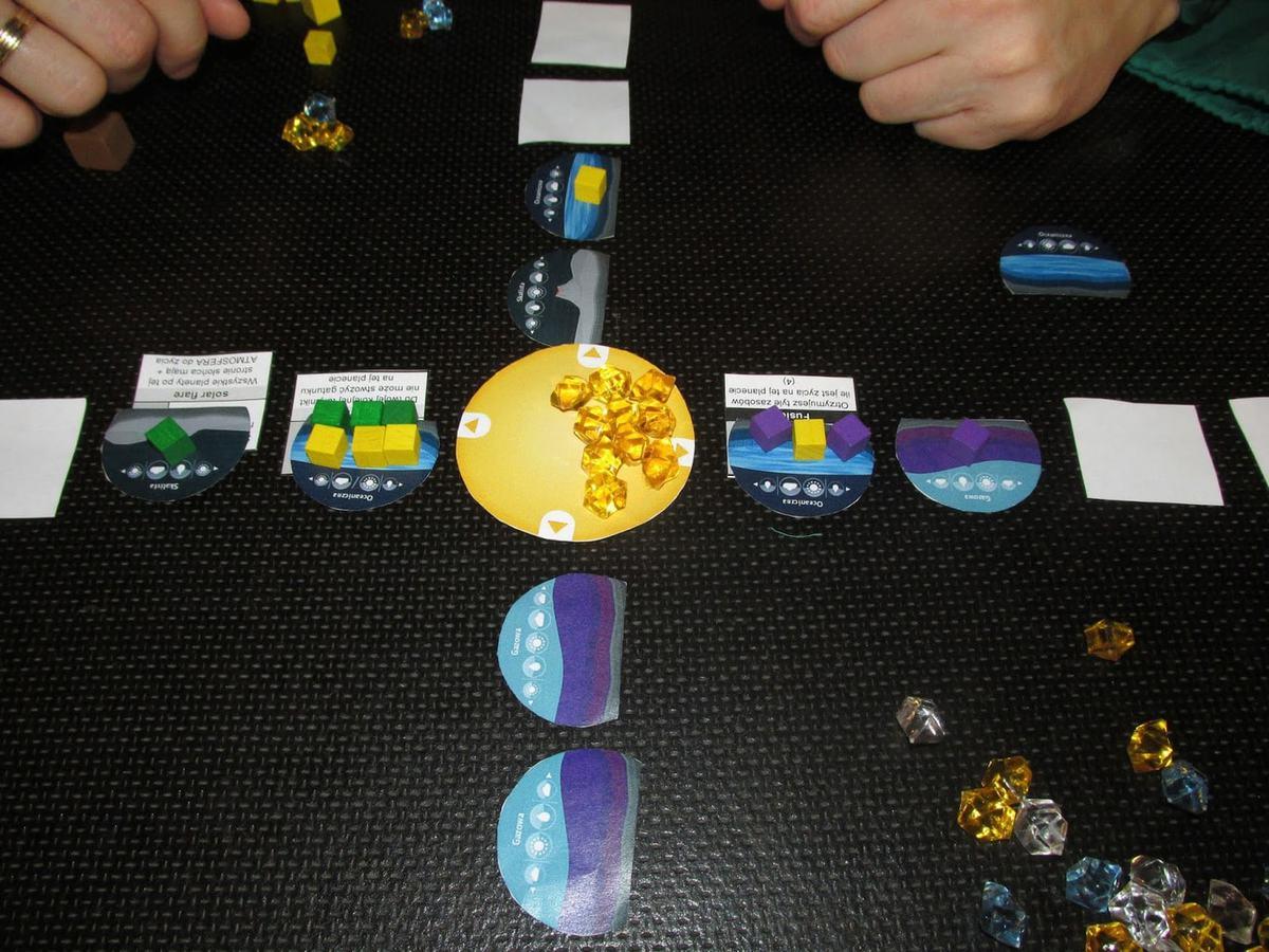 https://planszowkiwedwoje.pl/2015/03/exoplanets-prototyp.html