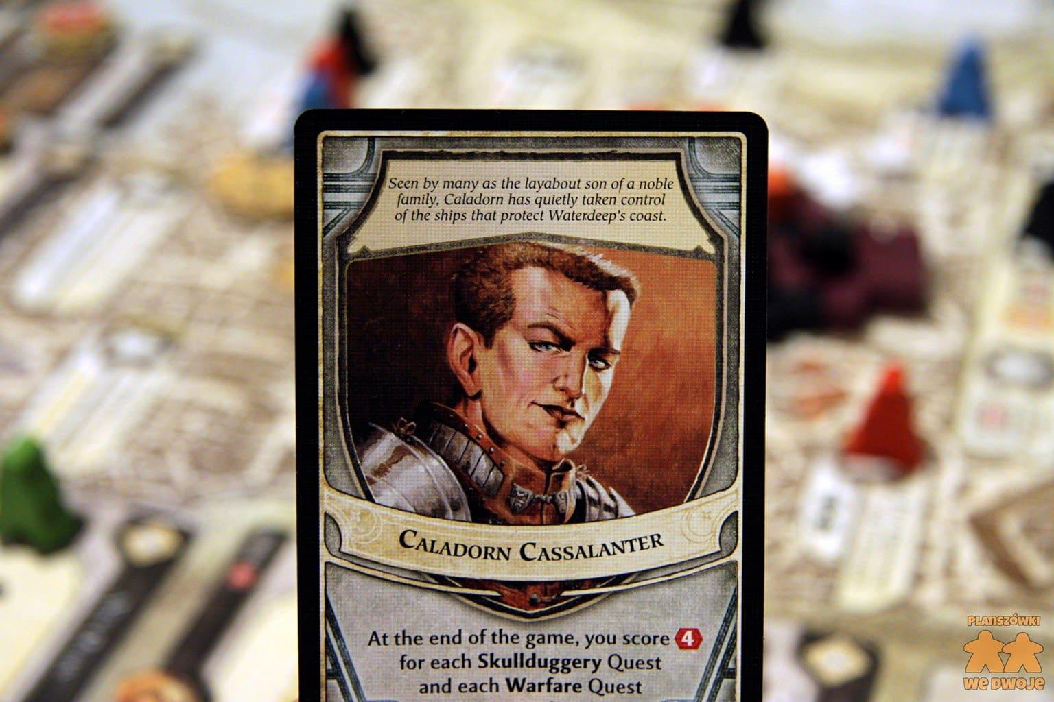Karta jednego z lordów, Caladorna Cassalantera z opisem jego zdolności i ilustracją.